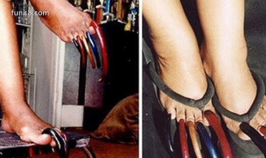 世界上脚趾甲最长的人 最长脚趾甲长达12.7厘米