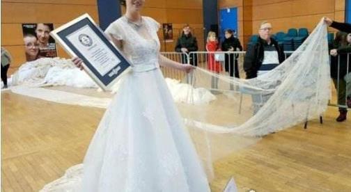 世界上最长的婚纱 法国婚纱公司制作8095米婚纱